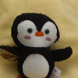 Textil pingvin figura, Játék & Gyerek, Más figura, Plüssállat & Játékfigura, Jön a tél, jönnek a pingvinek is! Nagyon aranyos ajándék, akár a Mikulászacskóban is elfér. Nem boly..., Meska