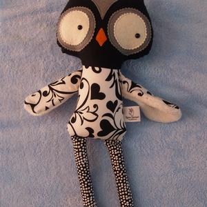 Bagoly textilfigura, Játék & Gyerek, Bagoly, Plüssállat & Játékfigura, Minőségi amerikai designer  pamutvászonból és gyapjúfilcből készült ez a stílusos bagoly figura. Ölt..., Meska