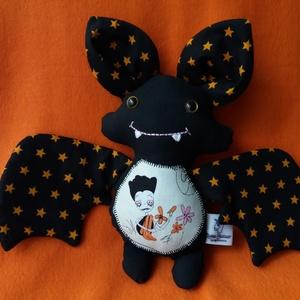 Halloween denevér textil figura, Játék & Gyerek, Más figura, Plüssállat & Játékfigura, Idén ezekkel a vadiúj kis denevérekkel kezdem a Halloweeni készülődést, ők aztán kicsiknek és nagyok..., Meska