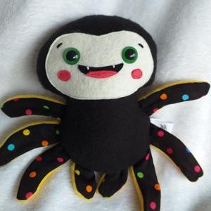 Mókás pókocska textilből (pöttyös lábú), Játék & Gyerek, Más figura, Plüssállat & Játékfigura, Ez vidám arcú pókocska csak arra vár, hogy jókedvre derítsen mindenkit! Akár pókkedvelők vagyunk, ak..., Meska
