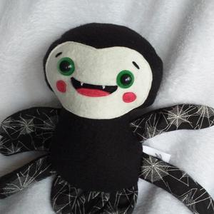 Mókás pókocska textilből (pókhálós lábú) (agotamama) - Meska.hu