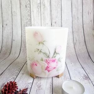 Vintage Halvány rózsa lampiongyertya, Karácsony & Mikulás, Karácsonyi dekoráció, Gyertya-, mécseskészítés, A lampiongyertyáról\n\nGyertya mindamellett hogy csodás dísz, varázslatos fényt is ad a környezetének...., Meska