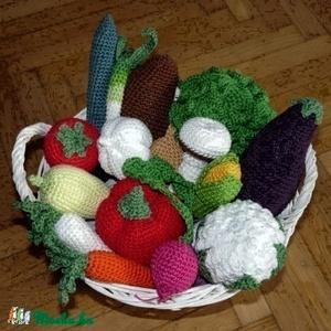Horgolt zöldségek MINTA, csináld magad leírás, Gyerek & játék, Játék, Otthon & lakás, Dekoráció, Horgolás, A kisfiamnak készítettem a kis zöldségeket, mert nagyon szeret főzőcskézni, piacosat játszani. Igyek..., Meska