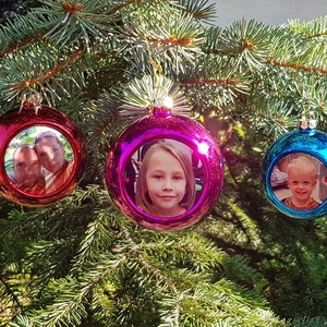 Fényképes díszgömbök, Otthon & Lakás, Karácsony & Mikulás, Karácsonyfadísz, Fotó, grafika, rajz, illusztráció, Tegye az idei évet még különlegesebbé!\nAki a Karácsonyt szereti, az a díszgömböket is. A számtalan c..., Meska