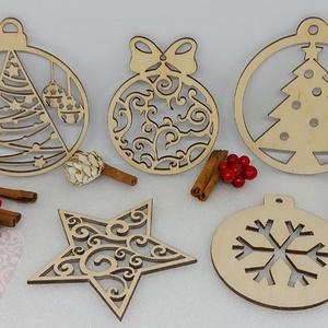 5 db karácsonyfadísz egy csomagban (1), Karácsony & Mikulás, Karácsonyfadísz, Famegmunkálás, Gravírozás, pirográfia, 5 db karácsonyfadísz egyben egy csomagban natúr fából.\nMéretük: Kb 8-9 cm, Meska