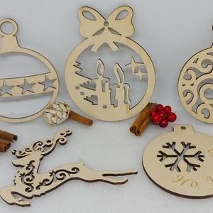 5 db karácsonyfadísz egy csomagban (3), Karácsony & Mikulás, Karácsonyfadísz, Famegmunkálás, Gravírozás, pirográfia, 5 db karácsonyfadísz egyben egy csomagban natúr fából.\nMéretük: Kb 8-9 cm, Meska