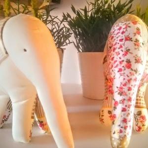Textil elefánt, Gyerek & játék, Játék, Plüssállat, rongyjáték, Varrás, A kis-elefánt igen csinos,kerekded formával rendelkezik. 28 cm magas  ,pamutvászonból van a teste és..., Meska