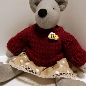 Öltöztethető plüss mackó, Maci, Plüssállat & Játékfigura, Játék & Gyerek, Varrás, Kötés, 24 cm-es öltöztethető plüss anyagból készült mackó.\nkézzel kötött a puloverje., Meska