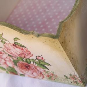 Romantikus rózsás, bézs színű  fa kosár ívelt füllel (ajulia) - Meska.hu