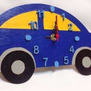 Gyermek autó falióra, Ékszer, Dekoráció, Otthon & lakás, Lakberendezés, Falióra, óra, Festészet, Mindenmás, Egyedi formájú és festésű falióra gyerekszobába.\nAutó alakú, kék-szürke-sárga színű falióra, néma ór..., Meska