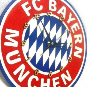 Bayern München falióra, Ékszer, Lakberendezés, Otthon & lakás, Falióra, óra, Festészet, Mindenmás, Fa alapanyagra, kézzel festett Bayernl-es falióra focirajongóknak, néma óraszerkezettel!  Gyönyörű d..., Meska