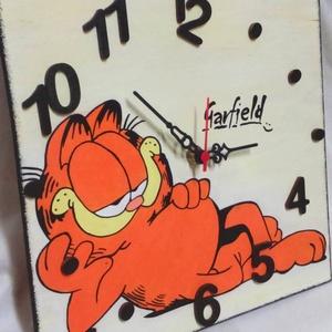 Garfield falióra, Otthon & Lakás, Falióra & óra, Dekoráció, Fa alapanyagra készült falióra, néma óraszerkezettel. Az ismert Garfield szerepel rajta, ami kézzel ..., Meska