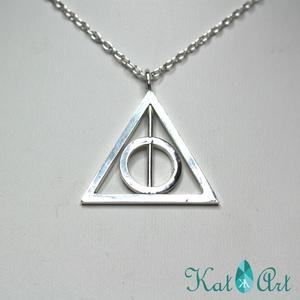 Harry Potter Halál Ereklyéi ezüst medál, Medál, Nyaklánc, Ékszer, Ötvös, Ékszerkészítés, Megrendelésre készítettem ezt a HP medált, 3*3 cm-es egyenlő szárú háromszög alapon. A karika - mint..., Meska