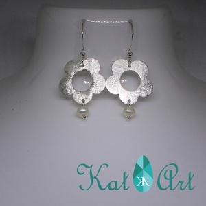 Virágos gyöngyös 925 ezüst fülbevaló - ékszer - fülbevaló - lógó fülbevaló - Meska.hu