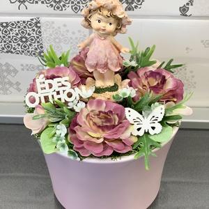 Gyermekarcú tündérke - asztaldísz, dekoráció, Otthon & lakás, Lakberendezés, Dekoráció, Asztaldísz, Kaspó, virágtartó, váza, korsó, cserép, Virágkötés, Egyedi, kézzel készített asztaldísz virágtündérrel és selyemvirágokkal. \nMinőségi alapanyagok felhas..., Meska
