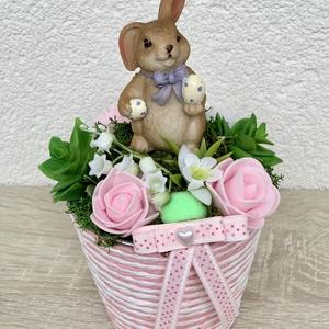 Zsonglőrködő húsvéti nyuszi - asztaldísz, dekoráció, Otthon & lakás, Lakberendezés, Dekoráció, Asztaldísz, Kaspó, virágtartó, váza, korsó, cserép, Ünnepi dekoráció, Húsvéti díszek, Virágkötés, Egyedi, kézzel készített asztaldísz cuki nyuszival, húsvéti tojásokkal és selyemvirágokkal.\nMinőségi..., Meska