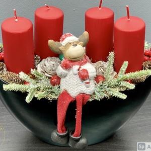 Akciós, féláron vihető, Lógó lábú szarvas adventi koszorú - dekoráció, Otthon & Lakás, Karácsony & Mikulás, Adventi koszorú, Virágkötés, A kaspó szépséghibás, ezért akciós (lásd a képeken)\nEgyedi, kézzel készített adventi dísz termésekke..., Meska