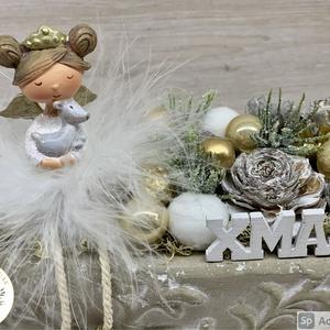 Igazi kis tollas egyéniségek - téli/karácsonyi dekoráció, asztaldísz, Otthon & Lakás, Karácsony & Mikulás, Karácsonyi dekoráció, Virágkötés, Egyedi, kézzel készített téli/karácsonyi  asztaldísz termésekkel, karácsonyi gömböcskékkel és cuki t..., Meska