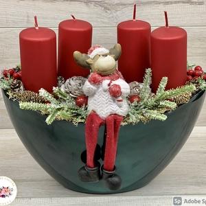 AKCIÓS klasszikus zöld-piros adventi asztaldísz - téli/karácsonyi dekoráció, asztaldísz, Otthon & Lakás, Karácsony & Mikulás, Adventi koszorú, Virágkötés, Tavalyról maradt darab, a kaspó szépséghibás, ezért alapanyag árban vihető!\nA termék alapja: műanyag..., Meska