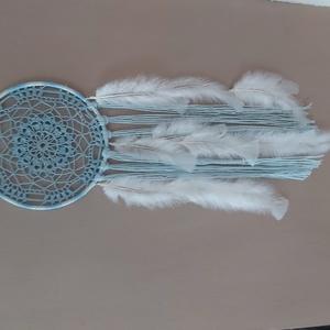 Álomfogó világoskékben, Otthon & Lakás, Dekoráció, Álomfogó, Csomózás, Csipkekészítés, Kisfiú születese ihlette álomfogó. \nMérete 18 x 56 cm\nRendelésre is készülnek álomfogók.Alkalomhoz (..., Meska