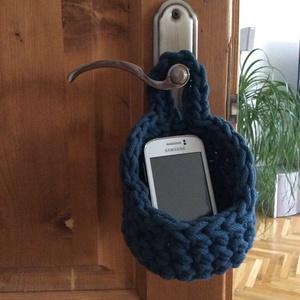 Horgolt petrolkék színű mobil, vagy papírzsebkendő tartó kosárka zsinórfonalból. ÖKO, zéró hulladék, zero waste - Meska.hu