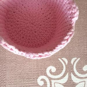 Hullámos tetejű horgolt rózsaszín kosár vastagabb merev fonalból, kisbabának vagy gyermekeknek is - ÖKO, zéró hulladék - Meska.hu
