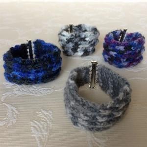 Egyedi horgolt széles karkötő a szürke színeiben, ezüst színű mágneses kapoccsal - unisex, hippie, retro - Meska.hu