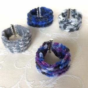 Egyedi horgolt karkötő az ősz pompás színeiben, ezüst színű mágneses kapoccsal - unisex, hippi, retro. - Meska.hu