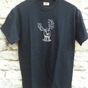 """Fekete rövid ujjú fiúpóló, Férfiaknak, Urban pólók, Táska, Divat & Szépség, Férfi ruha, Ruha, divat, Varrás, Ez az \""""M\"""" méretű rövid ujjú fiúpóló fekete 100% pamut anyagból készült, az elején saját, egyedi réns..., Meska"""
