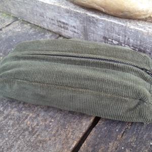 Oliva zöld kord tolltartó, neszeszer (Akombakom) - Meska.hu