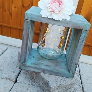 Világitó lámpás, Otthon & Lakás, Ház & Kert, Kerti lámpa, Festett tárgyak, 19*19 cm-es fenyő deszka keret koptatott vintage színben. A közepén üvegben világitó led szalaggal. ..., Meska