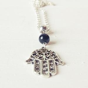 Fatima keze amulett, Medálos nyaklánc, Nyaklánc, Ékszer, Ékszerkészítés, Fatima keze vagy más néven Hamsa, ókori védelmező szimbólum. Úgy tartják, hogy az átkot, rontást vis..., Meska