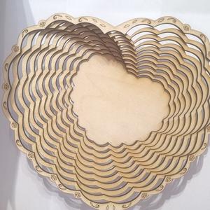 Szív alakú fa tál egyedi mintával., Otthon & lakás, Lakberendezés, Tárolóeszköz, Kosár, Gravírozás, pirográfia, Famegmunkálás, Rétegelt lemezből, lézervágás technikával készült fa tál. egyedi tervek alapján Lézerkivágott szív a..., Meska