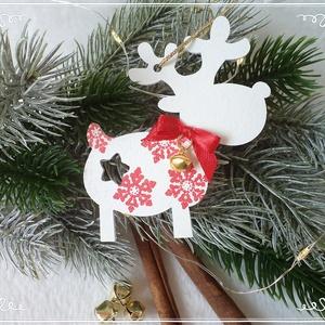 KIÁRUSÍTÁS Rénszarvas karácsonyi függő piros hópehellyel, Otthon & Lakás, Karácsony & Mikulás, Karácsonyfadísz, Festett tárgyak, Lézervágott fa rénszarvast festettem fehérre és díszítettem dundi testét piros színű hópelyhekkel. P..., Meska