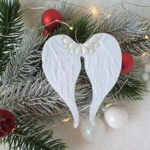 KIÁRUSÍTÁS Csipkés, filc angyalszárny karácsonyfa dísz, függő, ajándékkísérő, Otthon & Lakás, Karácsony & Mikulás, Karácsonyfadísz, Mindenmás, Dupla réteg filcet rögzítettem egybe és tetejét csipkével díszítettem. Erre a a felületre kerültek a..., Meska