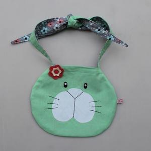 Nyuszi táska- kislányoknak , Gyerek & játék, Táska, Divat & Szépség, Játék, Táska, Közel 9 évvel ezelőtt terveztem ezt a kis táskát, aztán valamiért feledésbe merült. Szerintem kár vo..., Meska
