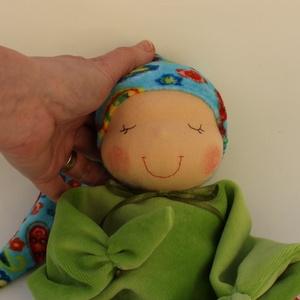 Rongyi Waldorf baba- mintás, Gyerek & játék, Játék, Baba, babaház, Baba játék, Puha plüss Waldorf baba a legkisebbeknek. Feje műszálból készült. Magassága kb. 27 cm, plusz a sapi...., Meska