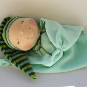 Rongyi Waldorf baba- zöld csíkos, Gyerek & játék, Játék, Baba, babaház, Baba játék, Puha plüss Waldorf baba a legkisebbeknek. Feje műszálból készült. Magassága kb. 27 cm, plusz a sapi...., Meska
