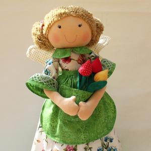 Tavasztündér tulipánnal, Otthon & Lakás, Dísztárgy, Dekoráció, Saját tervezésű, kb. 40 cm magas textil tündér baba. Minden igényt kielégítően, szépen, alaposan meg..., Meska