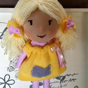 Sárika, a bakancsos kislány baba, Játék & Gyerek, Baba & babaház, Öltöztethető baba, Baba-és bábkészítés, Sárika baba, kézműves baba, textilbaba, rongybaba leírása\nA baba új textil anyagból készült, bélése ..., Meska
