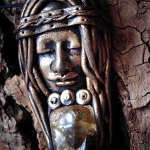 Égi istennő - mágikus amulett  - Meska.hu
