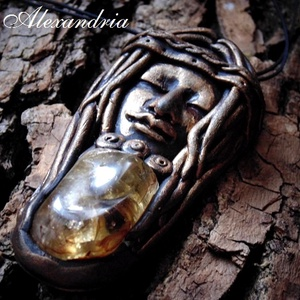 Égi istennő - mágikus amulett , Ékszer, Medál, Nyaklánc, Ékszerkészítés, Gyurma, Süthető gyurmából és Citrin gyógyhatású féldrágakőből készült egyedi nyaklánc. \n\nA medál: 7,5 cm.\nA ..., Meska