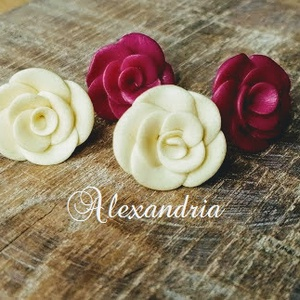 Rózsás fülbevaló csomag , Ékszer, Pötty fülbevaló, Fülbevaló, Ékszergyurmából készült kényelmes bedugós fülbevalók. Az ár a képen látható 2 pár fülbevalóra vonatk..., Meska