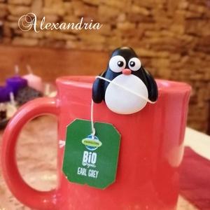 Pingvines Tea-filtertartó, Karácsony & Mikulás, Ilyen hidegben nincs is jobb mint egy bögre forró tea. Ez a kedves pingvin megakadályozza, hogy a po..., Meska