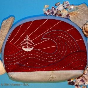 Neszsszer vitorlás mintával, Táska & Tok, Neszesszer, Hímzés, Varrás, A tengerpart sokak számára meghatározó élmény. Ezt idézi ez a hullámokkal, vitorlással, lemenő nappa..., Meska