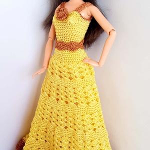 Barbie babaruha, Játék, Gyerek & játék, Baba, babaház, Horgolás, Sárga színű selyemfonalból horgolt A vonalú estélyiruha, aranyszínű díszítéssel, bevarrt tüll alsósz..., Meska