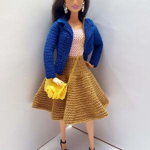 Barbie babaruha, Gyerek & játék, Játék, Baba, babaház, Horgolás, Horgolt együttes Barbie típusú 32 cm-es babára.\nRövid ujjú arany loknis szoknyás ruha rózsaszín fels..., Meska