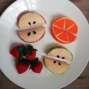 Filc gyümölcsszett, Játék & Gyerek, Szerepjáték, Rendelésre készülő filc gyümölcsök, kedves színekkel, gyerekkézbe illő méretben. :) Nálunk nagyon te..., Meska