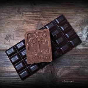 Csokis-fahéjas szappan kakaóvajjal, Otthon & lakás, Lakberendezés, Táska, Divat & Szépség, Szépség(ápolás), Krém, szappan, dezodor, Natúrszappan, Szappankészítés, Életfa mintás\n\nÖsszetétele: olívaolaj, kókusz vaj,  kakaóvaj, lúg, víz, kakaó, illóolaj\n\nNormál és s..., Meska