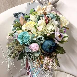 Virágos váza, Otthon & lakás, Lakberendezés, Asztaldísz, Varrás, Virágkötés, Agyagszerű vázában a képen látható virágok és sajátkészítesű textil szivek, madarak, virágok...., Meska